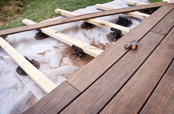 Quel rev tement pour ma terrasse le blog de maisoning for Pose lambourde terrasse