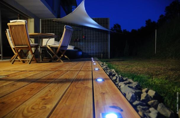 une terrasse toute en douce lumi re le blog de maisoning. Black Bedroom Furniture Sets. Home Design Ideas